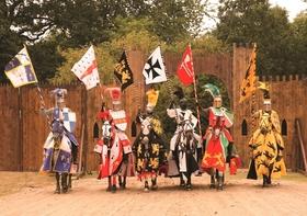 Bild: Ritterfest Schloss Rheydt - Mittelalterlicher Markt mit Ritterturnier