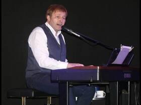 Bild: Jürgen singt Udo - Jürgen Schweikert