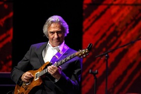 Bild: JOHN McLAUGHLIN - Europa-Tour-Start
