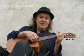 Bild: Gerhard Schöne und Musikanten -