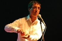 Bild: ROSENAU Poetry Slam - als Conférencier und Moderator Jan Siegert