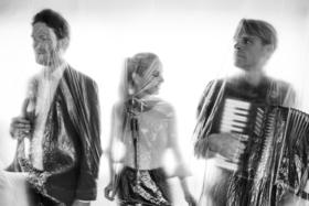 Bild: Me, Myself and Them - Wohnzimmer–Konzert im gecco Cafe
