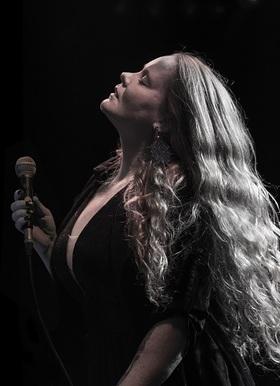 Bild: LAYLA ZOE - Retrospective Tour