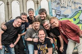 Bild: Tom Pfeiffer Band & Friends - mit