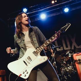 "Laura Cox mit Band - auf ""Burning Bright""-Tour"