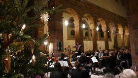 Bild: Weihnachtskonzert: Musikalische Kostbarkeiten zwischen Barock und Klassik - Alpirsbacher Kantorei