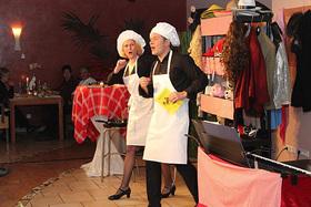 Bild: Das Kabarett Kriminal Dinner - Krimidinner mit Kitzel für Nerven und Gaumen - OPEN AIR