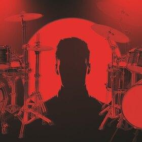 Bild: Ein Leben im Takt - Monolog für einen Spieler und zwei Schlagzeuge (PREMIERE)