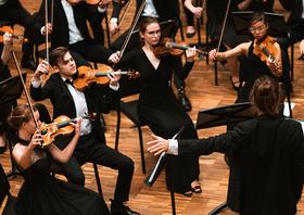 Bild: Niedersächsisches Jugendsinfonieorchester - What You Call Time