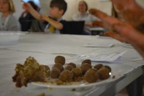Bild: Kinder-Schokoladenwerkstatt - Tag der Regionen auf dem Schlossgut