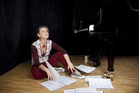 Bild: Kaffee, Kuchen & Klavier - mit Nini Funke