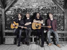 Bild: The Heavy Hitters Acoustic Projekt - A Little Bit Closer Tour 2020