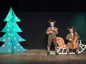 Bild: Alle Jahre wieder - Musiktheater mit zwei Rentieren