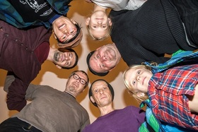 "Bild: Magdeburger Kultur Picknick - Kinderprogramm Das kunterbunte, fliegende Karussell"""