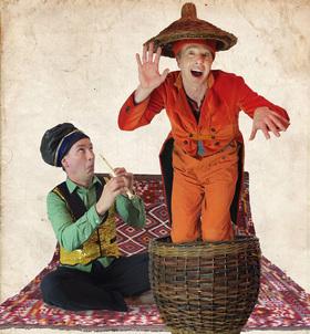Bild: Kultur unter den Linden - Open-Air Theater mit Coq au Vin - Überraschung! Der Zirkus ist da!