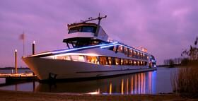 Rhein in Flammen Bingen das Original - Schiffahrt mit Feuerwerk auf dem Eventschiff Jules Verne und 2 Übernachtungen im Hotel Papa Rhein Neueröffnung 8/2020