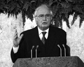 """Der Brandstifter"". Martin Walsers Rede in der Frankfurter Paulskirche [1998]"