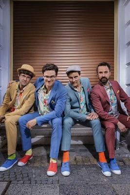 Bild: Bodo Wartke - In guter Begleitung mit der SchönenGutenA-Band