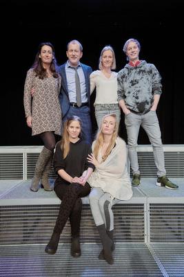 Bild: Wunschkinder - mit Martin Lindow, Carolin Fink, Katharina Heyer, Natascha Hirthe u.a.