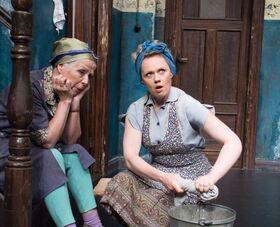 Bild: Tratsch im Treppenhaus - Die erfolgreichste Ohnsorg-Theater Aufführung