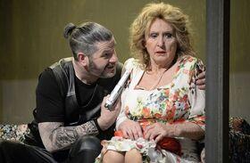 Bild: Paulette - Oma zieht durch - Komödie von Anna Bechstein