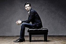 Bild: Klavierabend mit Martin Stadtfeld