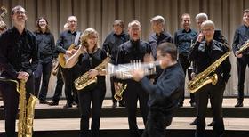 Bild: SWINGING BIRDS - Big Band der Deutschen Staatsphilharmonie feat. Sascha Kleinophorst