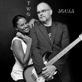 Bild: Two Souls - Elysa Kay (voc) und Rainer Apel (git)
