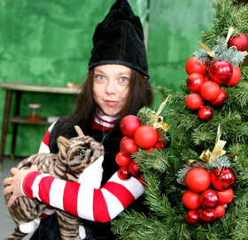 Bild: Hexe Winnie zaubert Weihnachten - Wittener Kinder- und Jugendtheater