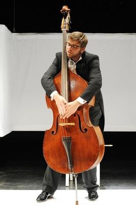 Bild: Franz Josef Strohmeier: Der Kontrabass - Monolog für einen Schauspieler von Patrick Süskind
