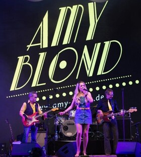 Bild: Amy Blond - Eine Hommage an Amy Winehouse