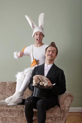 """Bild: COQ AU VIN im Lindenpark - Theater, Artistik und Witz für Kinder und Familien - """"Die große Zaubershow des Ala Labama"""""""