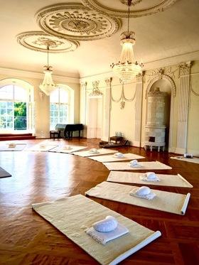 Bild: Fit in den Winter durch Yoga - Wochenend-Kundalini-Yoga-Seminar