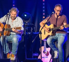 Graceland - Simon & Garfunkel Tribute Duo
