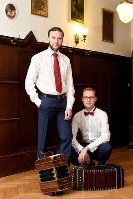 Bild: Akkordeon-Duo Leuschner im Palais Zabeltitz -