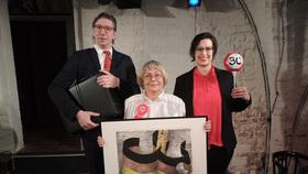 """Bild: Die Oderhähne- satirisches Theater und Kabarett e.V. - """"Jetzt schlägst 30!"""""""