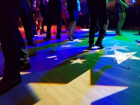 Bild: Silvesterparty 2021 - inklusive Getränkeauswahl, Büfett und Tanz
