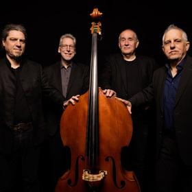 Bild: Matthias Deutschmann + Silver City Trio - 900 Jahre sind genug!