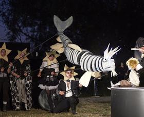 Bild: La Luna - Sommertheater am Schloss Belvedere Pfingstberg - Open-Air-Veranstaltung