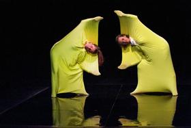 Bild: Luca - Die Urzelle spielt verrückt - kirschkern Compes & Co. - ab 6 J. - AUF DIE PLÄTZE ... Hamburger Kindertheater Treffen 2021