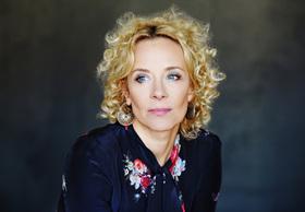 """Bild: Katja Riemann und ihre """"Projektreisen"""" durch die ganze Welt"""