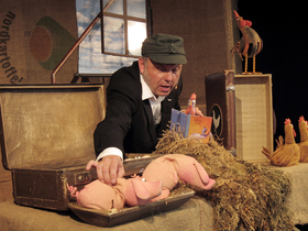 Bild: Albin und Lila - Albin und Lila oder können Schweine Hühner lieben? 15 Uhr Vorstellung