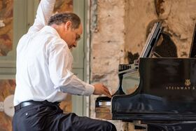 Bild: Dinis Schemann präsentiert L. v. Beethovens