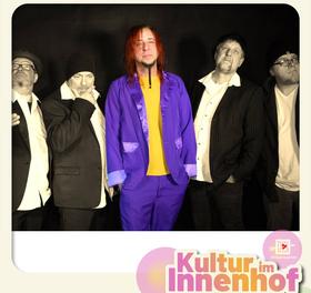 Bild: Kultur im Innenhof: Marcess & die Band der Stunde - Das Picknick-Konzert