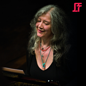 Bild: Martha Argerich mit den Cottbuser Philharmonikern: Schumann