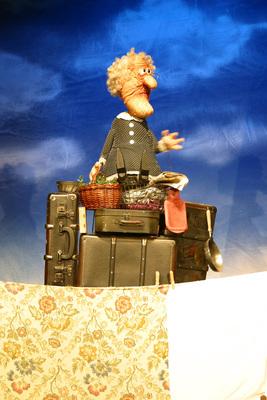 Bild: Kikeriki Theater - Achtung Oma