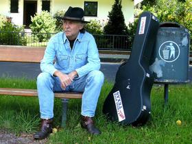 Bild: Rainer Weisbecker - Lieder, Geschichte un Blues - livehafdisch