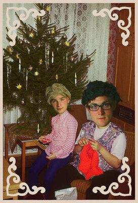 Bild: Zärtlichkeiten mit Freunden: Weihnachtsfeier
