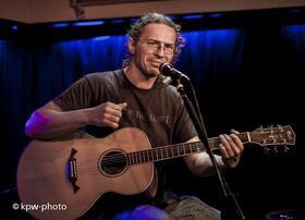 Bild: Saloncafé mit Livemusik - Musik mit Jan Sperhake