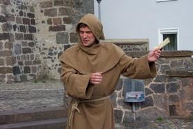 Bild: Historix-Tours: Ritter, Mönche, Blutgericht - Stadtführung mit Schauspieler